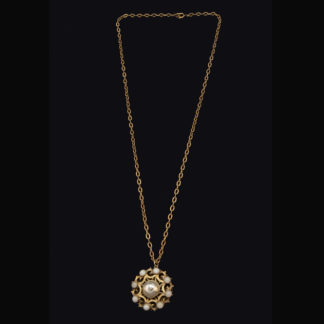 necklace with pendant 50