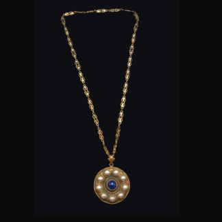 necklace with pendant 52