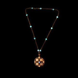 necklace with pendant 68