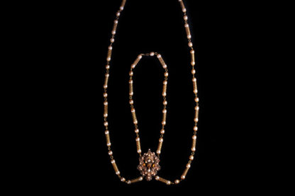 big necklace with pearls 18