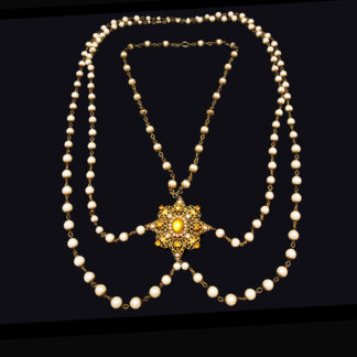 big necklace with pearls 2