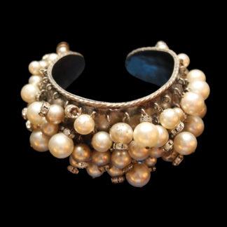 1900 bracelets 102